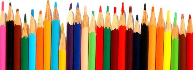 Imagen de lápices de colores alineados