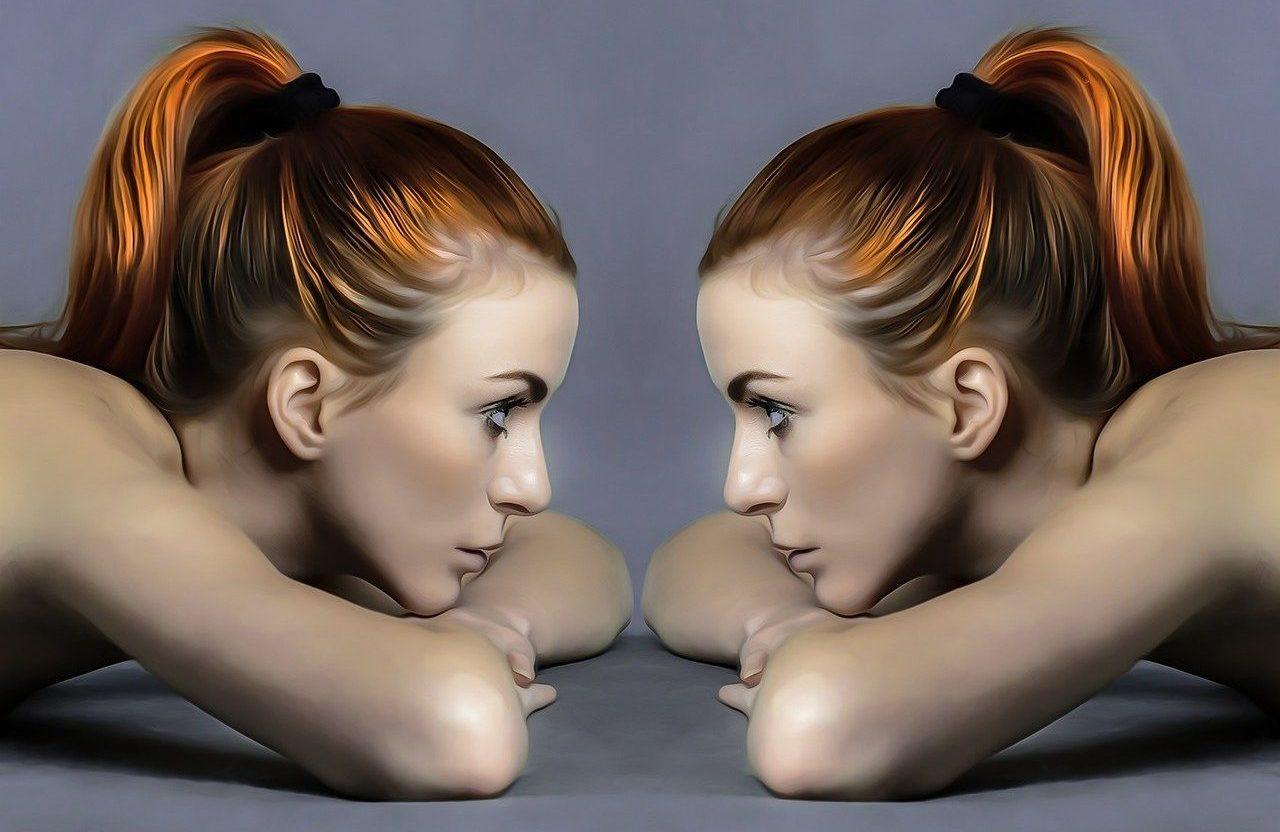 imagen doble de una mujer